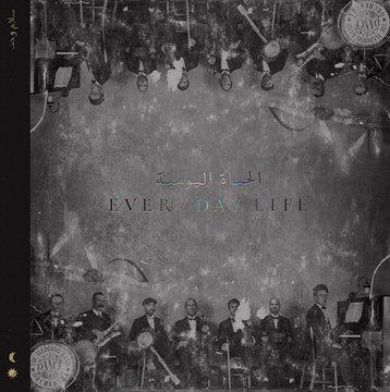 """Capa do novo disco do Coldplay, """"Everyday Life"""", que apresenta os integrantes do grupo"""