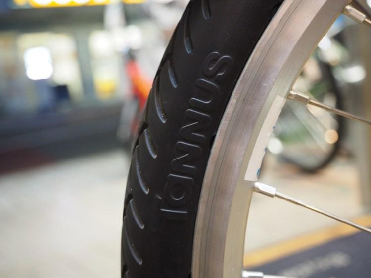 タンナス,パンクしない,パンクしなしタイヤ,パンク,タイヤ交換,tannus,airless,tire