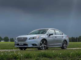 2015-subaru-legacy-review front view