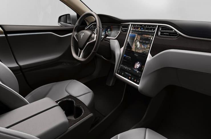 2015-Tesla-Model-S-P85D