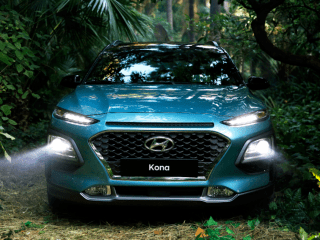 2018 Hyundai Kona front lights on
