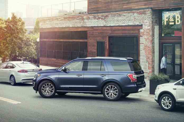 2018 ford expedition sideview