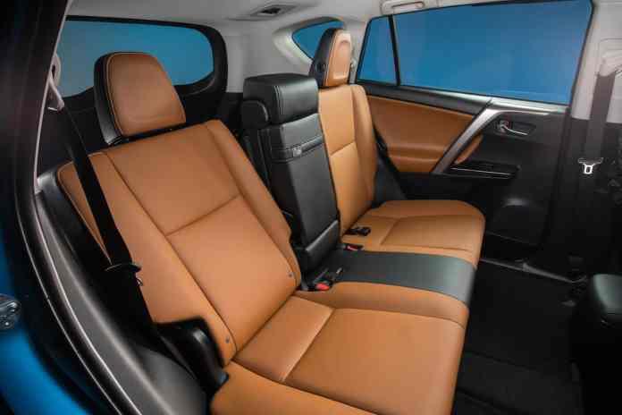 2017 Toyota RAV4 SE Hybrid Review interior