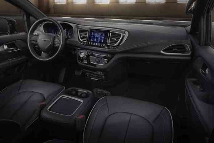 2018 Chrysler Pacifica with S Appearance Package interior