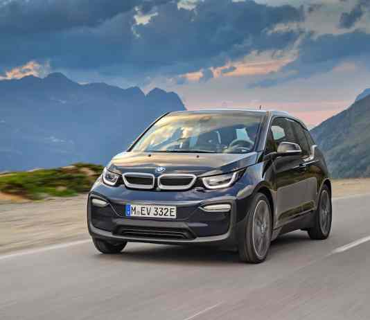 2017 BMW i3 Review blue front rolling