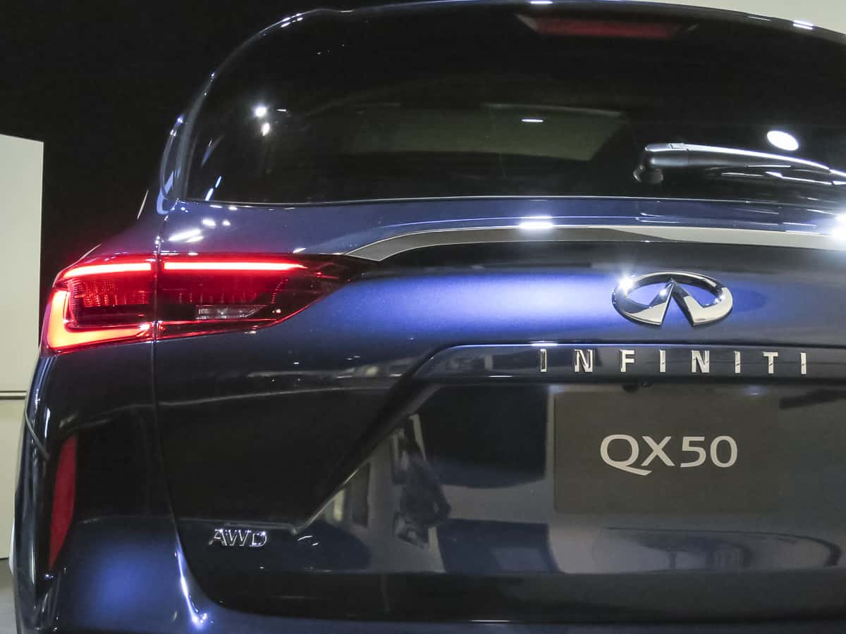 2019 infiniti qx50 tail lights