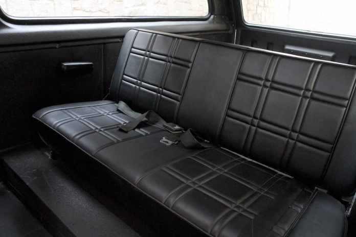 1976 INTERNATIONAL SCOUT TRAVELER back seats