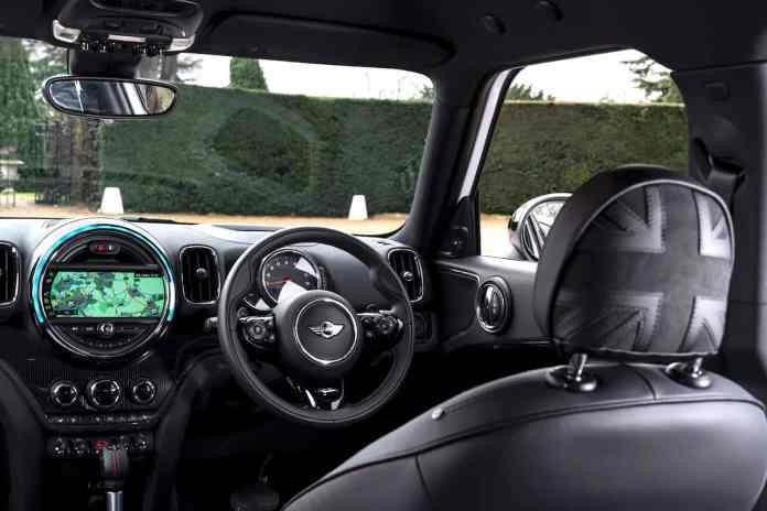 2018 MINI Countryman Cooper SD ALL4 Review interior