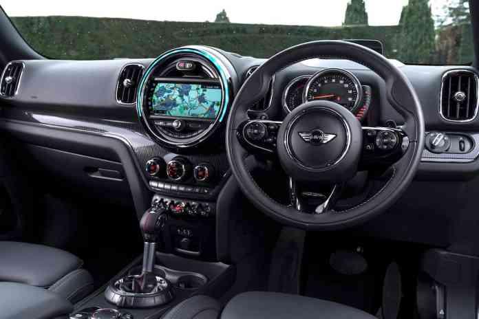 2018 MINI Countryman Cooper SD ALL4 Review cockpit