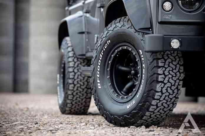 1992 Defender D110 Renegade Edition wheels
