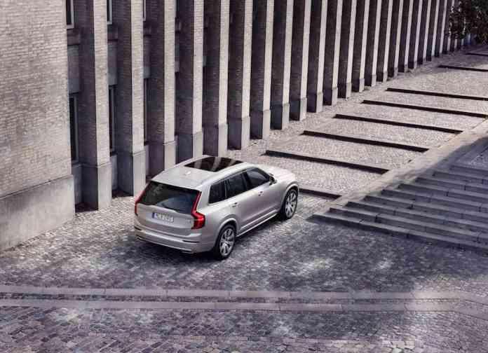 2020 Volvo XC90 SUV rear