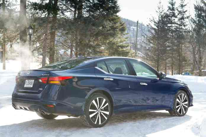 2019 nissan altima awd rear profile