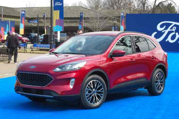 2020 ford escape in red front view