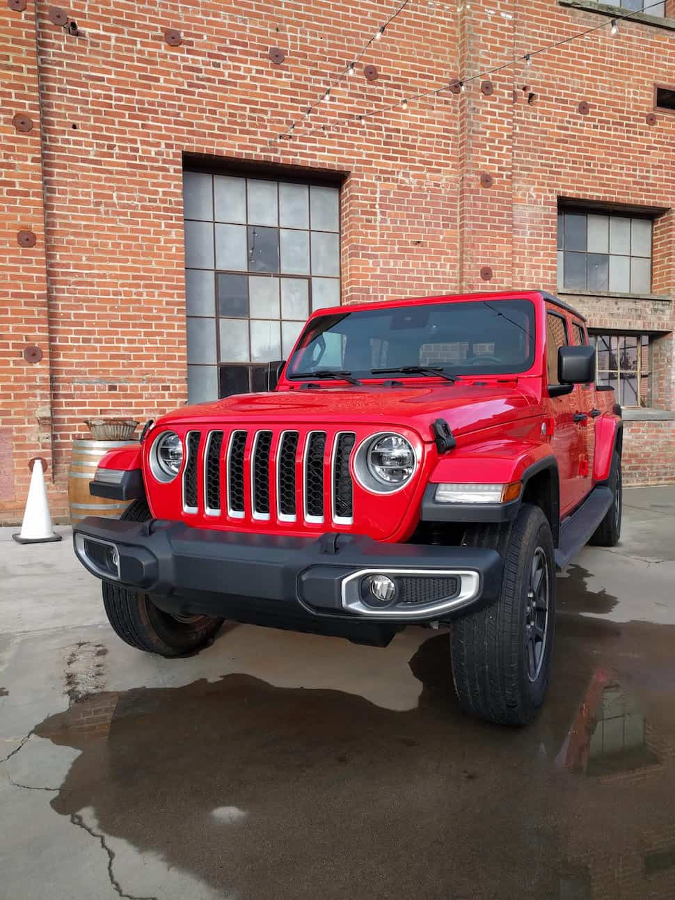 2020 jeep gladiator new truck front view clean