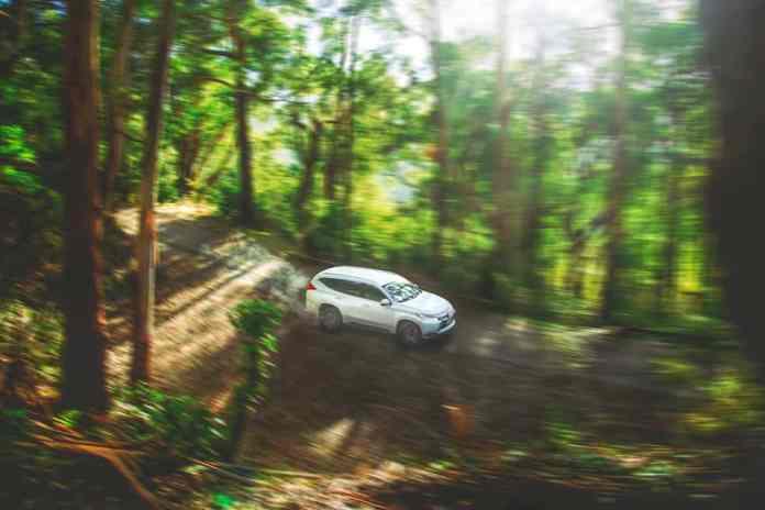 why does car shake when braking