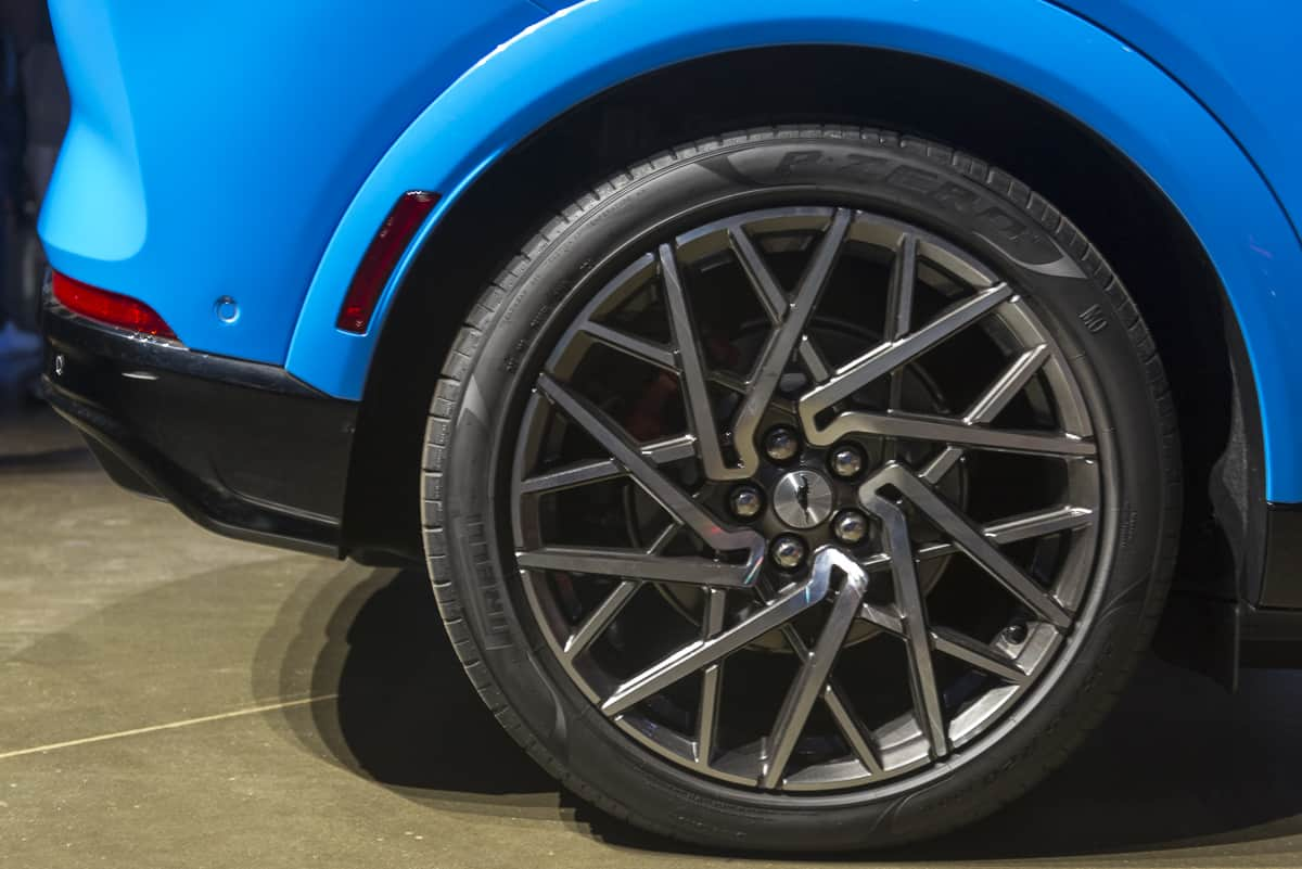 2020 Ford Mustang Mach-E tractionlife (13 of 40)