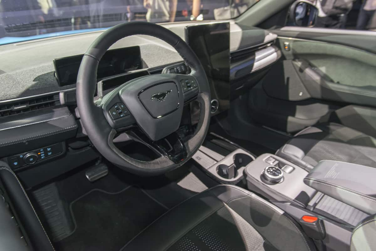2020 Ford Mustang Mach-E tractionlife (5 of 40)