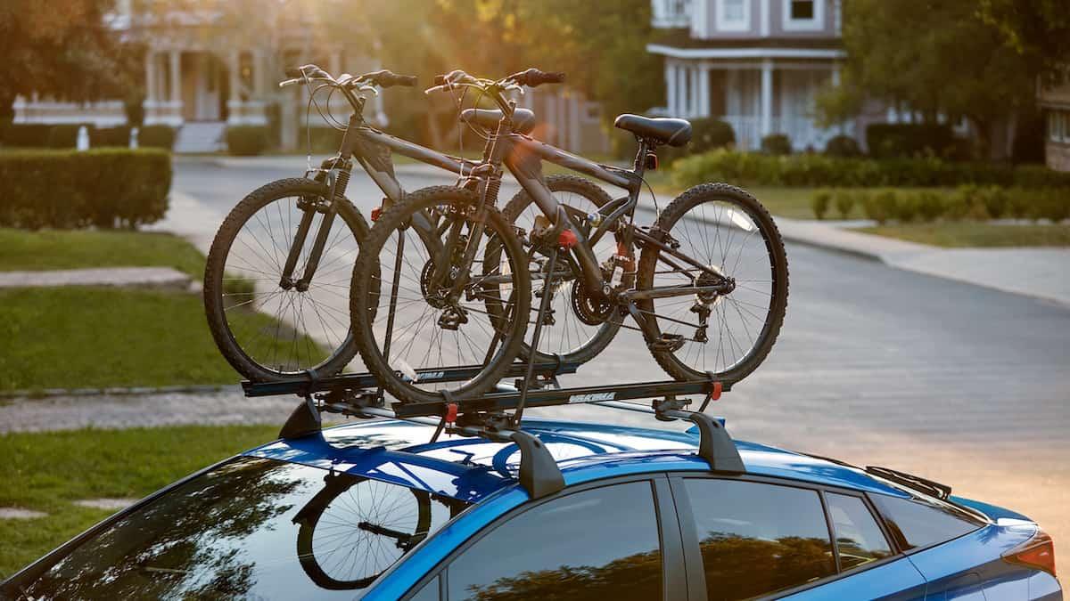 2020 Toyota Prius XLE AWD hatchback roof rack