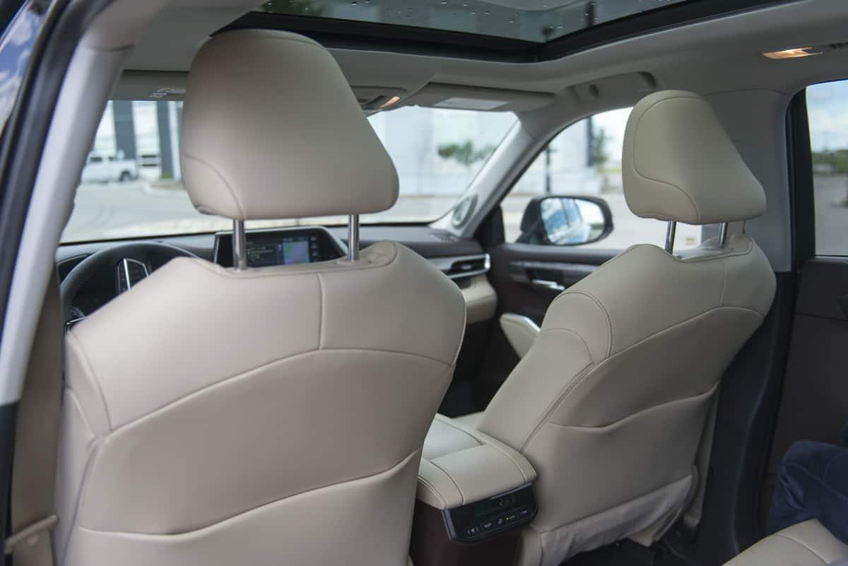 2020 Toyota Highlander Hybrid (5 of 18)