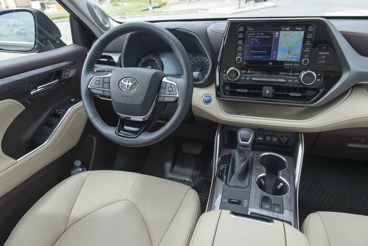 2020 Toyota Highlander Hybrid (6 of 18)