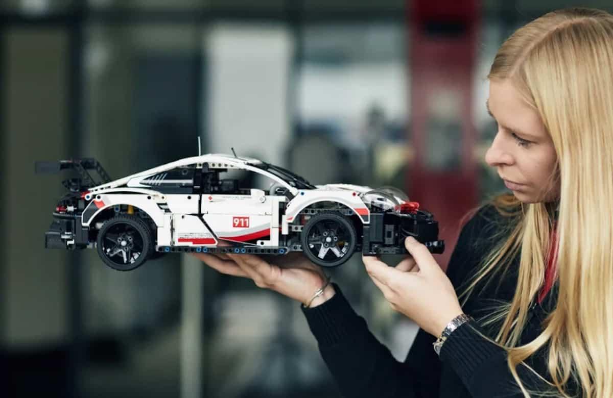 LEGO Technic Porsche 911 RSR finished model copy