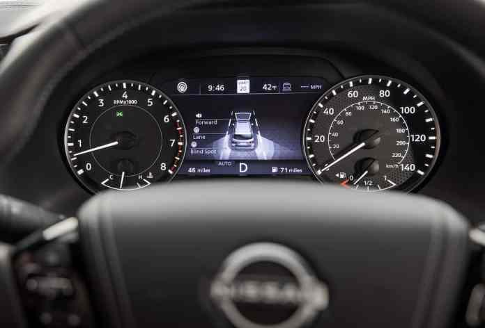2021 Nissan Armada 7-inch driver screen
