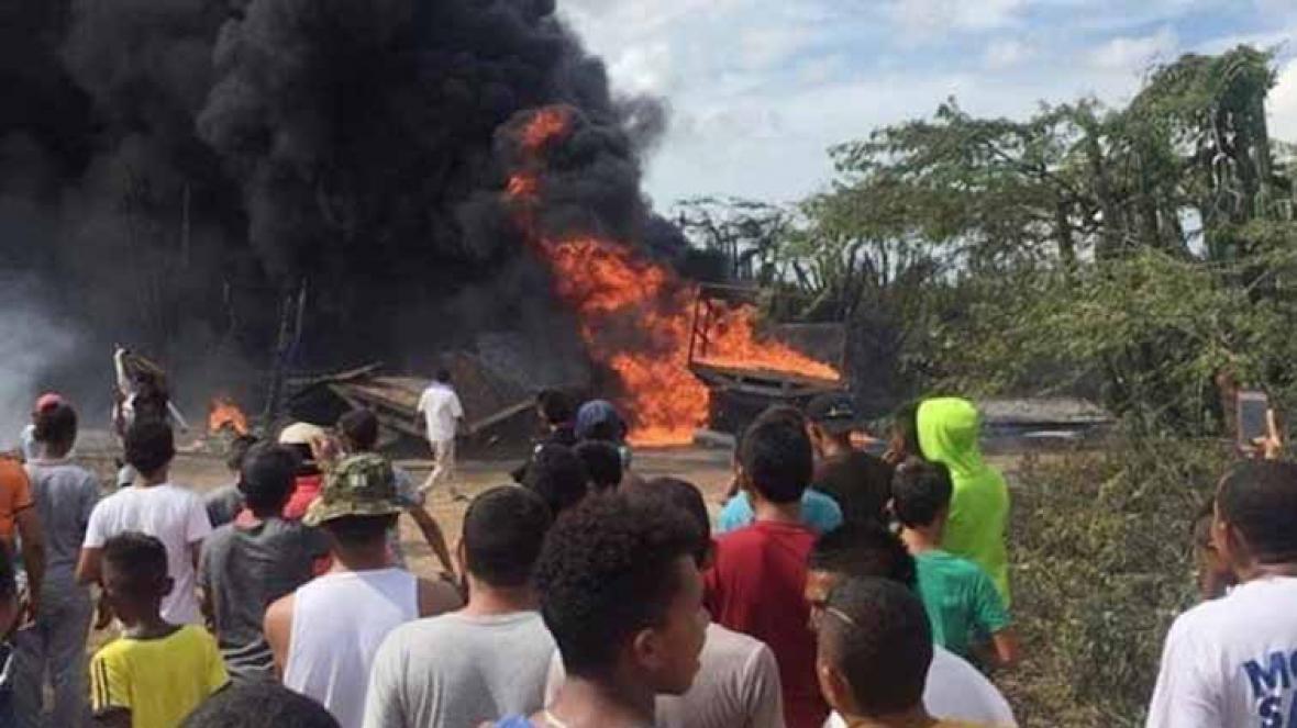 Explosión de dos camiones en Maicao