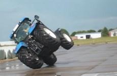 Holland-T7050-sur-2-roues