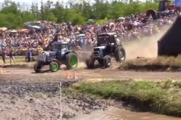 tractor race bison track show 2015