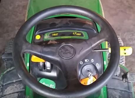 John Deere LT150 steering