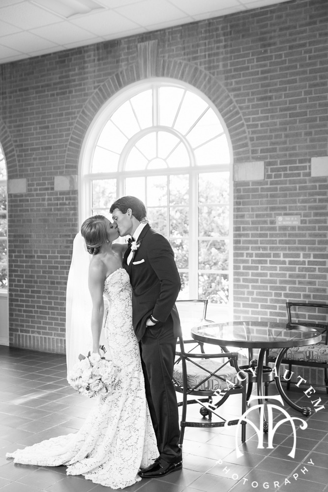 Wedding Robert Carry Chapel TCU City Club Fort Worth Sarabeth Events Tracy Autem Photography-061