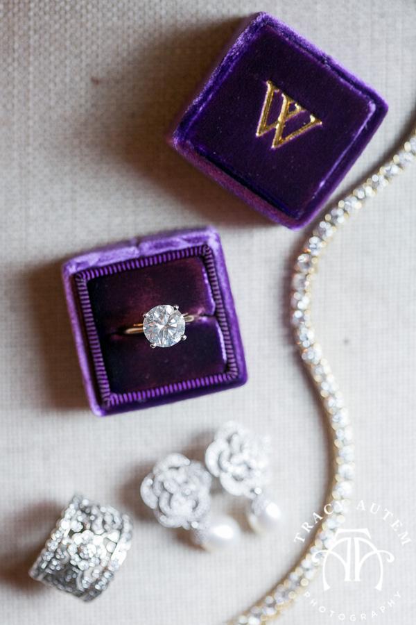 laura-and-david-wedding-details-classic-oaks-venue-wedding-reception-ideas-purple-tcu-flowers-justines-love-sign-rustic-tracy-autem-photography-0005
