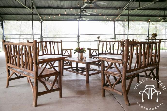 laura-and-david-wedding-details-classic-oaks-venue-wedding-reception-ideas-purple-tcu-flowers-justines-love-sign-rustic-tracy-autem-photography-0027