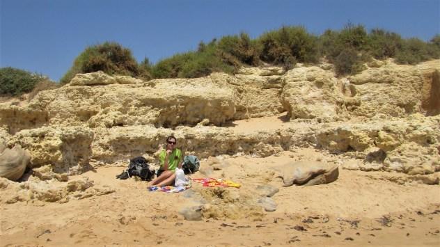 Social distancing, Praia Grande de Pêra, Algarve, Portugal