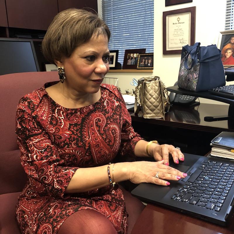 Dr. Lisa Cooper