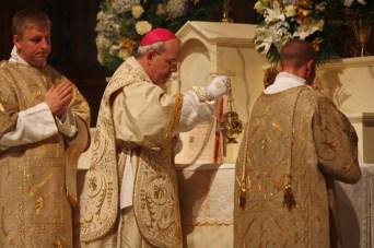 Pontifikalnu Misu u katedrali sv. Cecilije (Omaha) služio je biskup A. Schneider