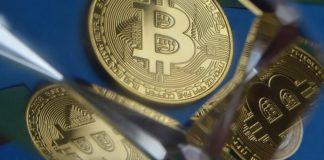 Bitcoin BTC v zrcadle pixa