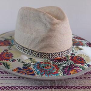 Chapeau fleur d'argent