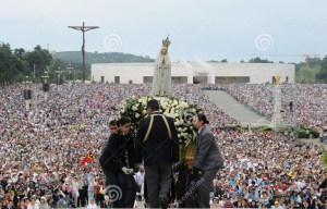 our-lady-fatima-crowds_001