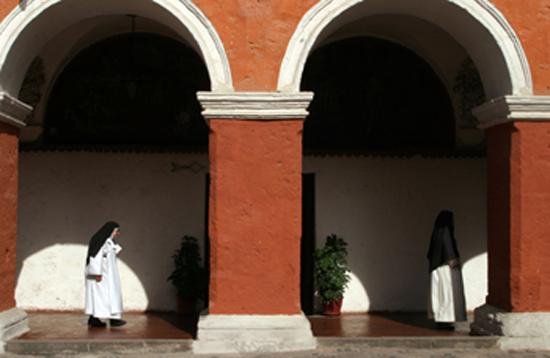 Perú enclaustrado dominicanos