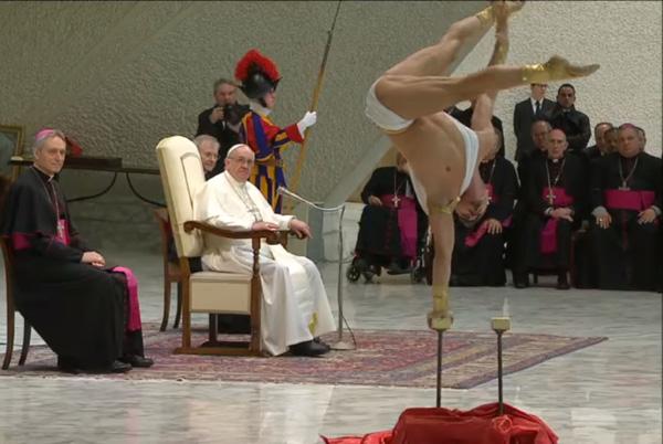 Francis admira el homo contorsion