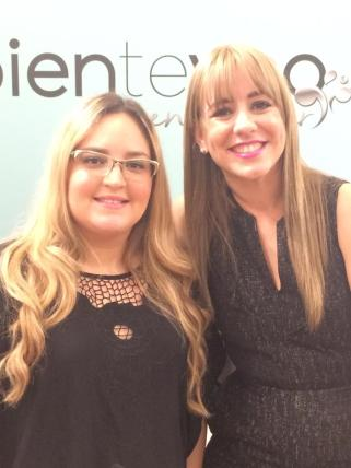 Nuestra Editora en Jefe, Lourdes Nicolle Martínez con la diseñadora y propietaria de Bienteveo en el Mar, Alexandra Escudero Thon