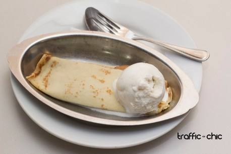 Panqueques con Dulce de Leche y helado de vainilla