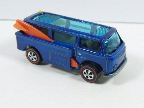 Blue_beach_bomb