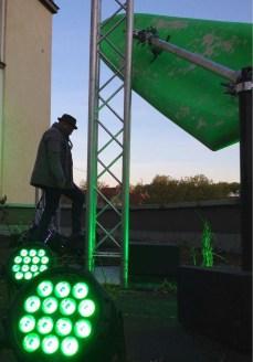 """Aufbau von """"Kleefeld leuchtet"""". Foto: Katrin Hamann"""