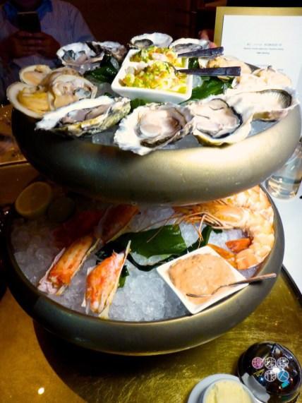 帝王蟹腳、珍寶蝦、帶子及貝類