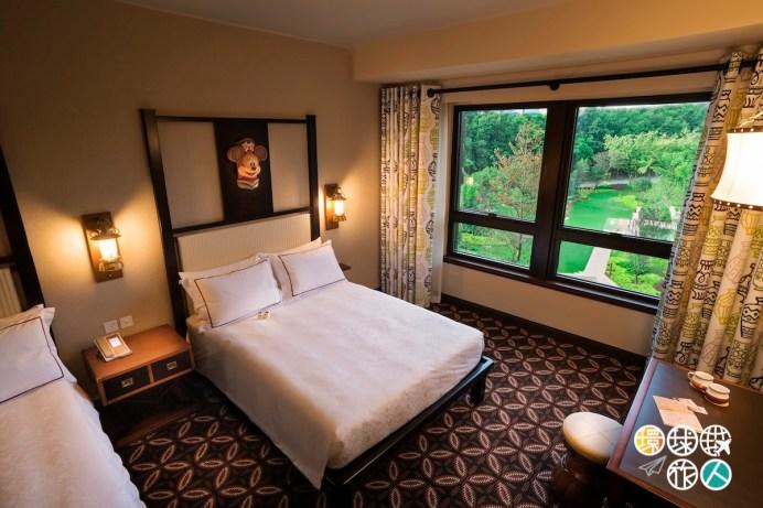 Disney Explorers Lodge_Hotel Room (4)_Garden View