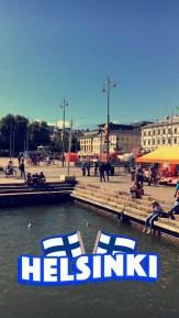 Markt direkt am Hafen.