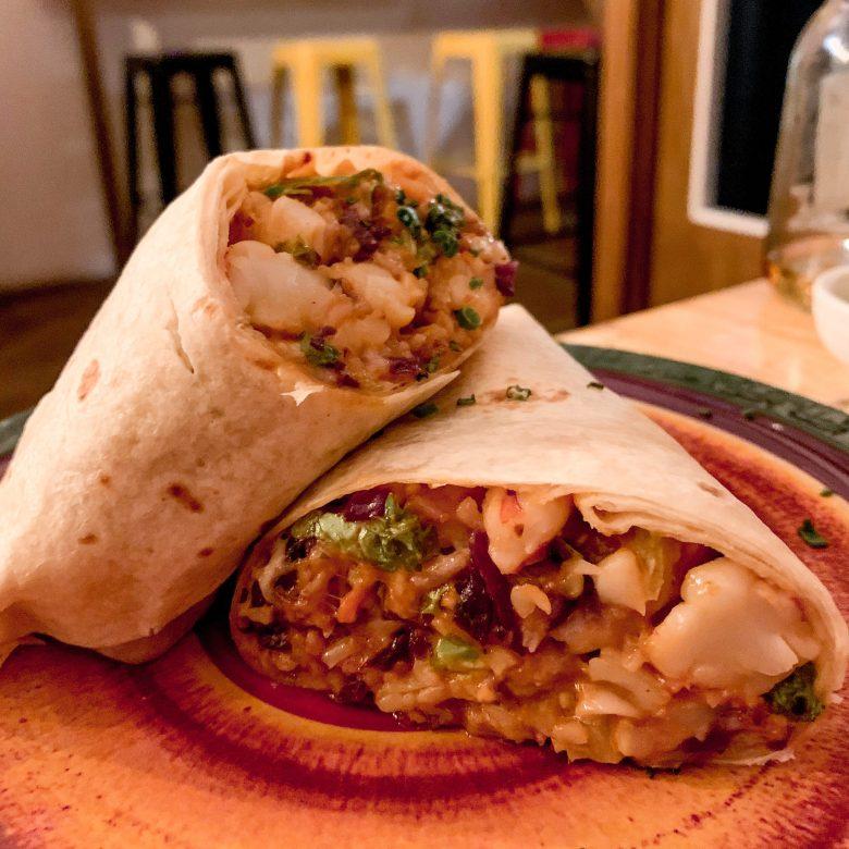 El Sito de El Cártel de Mawey, uno de los mejores burritos de Madrid. Comida mexicana burritos.