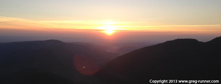 Lever de soleil (sunrise) en Auvergne - Cantal - au Puy Mary